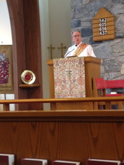 Rev.-Hank-Morrow-Preaching-at-St.-Edwards-e1486155618631